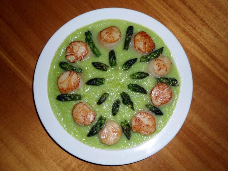 Sea Scallops with Asparagus Sauce - Grub